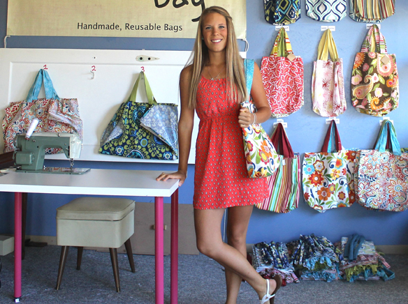 WEBLauren Cannon offers a variety of colors and fabrics for her Growcery Bags..jpg