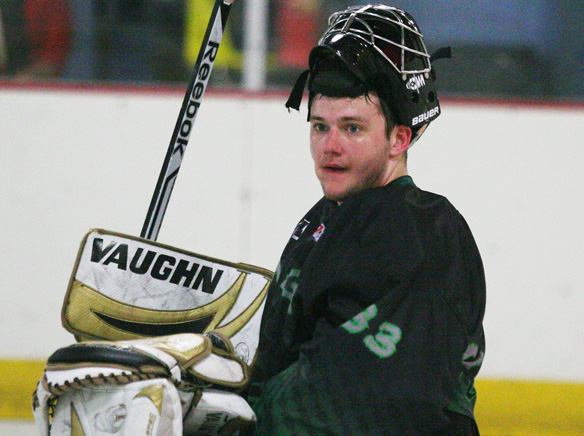 WEBZach_Cummings_goalie1.jpg
