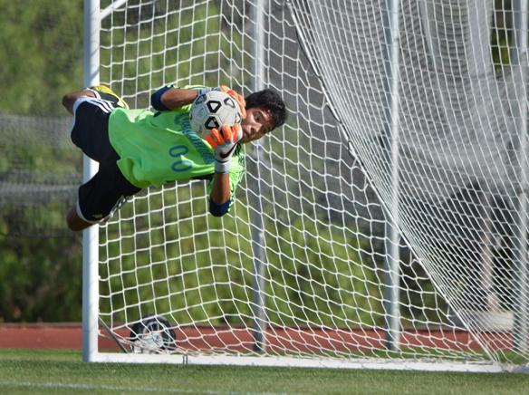 WEBMens soccer Cuya 4.jpg