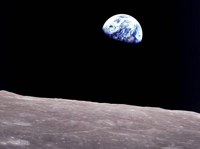 WEBApollo 8 Earthrise.jpg