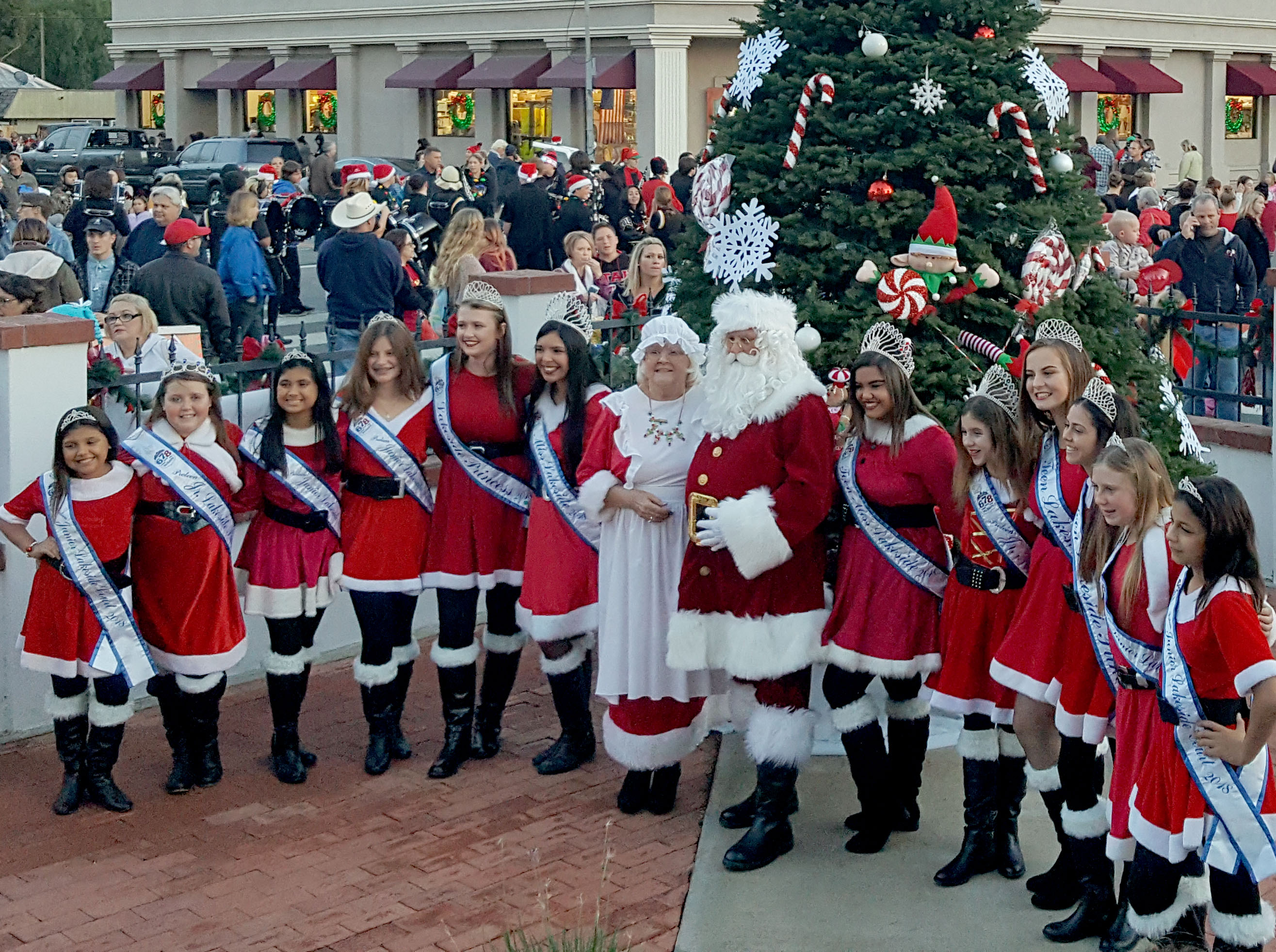 20th annual Spirit of Christmas brings holiday joy to Lakeside
